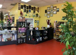 Take a step inside our bright, welcoming Palm Beach Gardens showroom